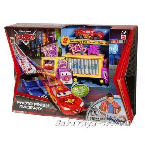 CARS ПИСТА с фотоклетка и 2 колички от Mattel - W7738