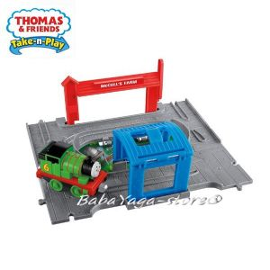 Fisher Price Влакчето ТОМАС Thomas & Friends Percy Engine Starter Set от серията Take-n-Play BBC94
