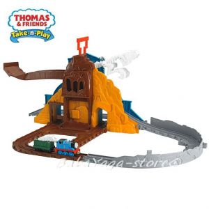 Take-n-Play Thomas and Friends: Roaring Dino run playset, BCX23